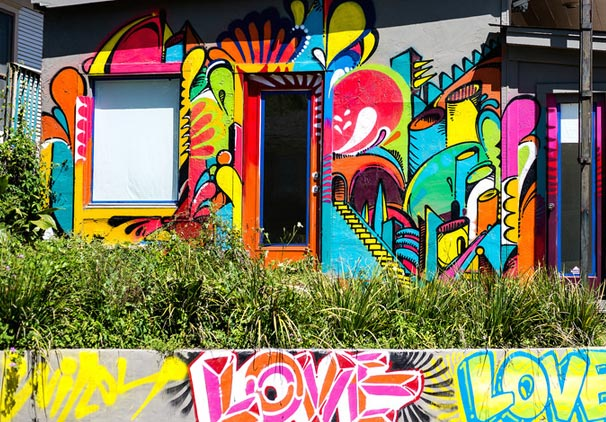HOUSTON GRAFFITI ARTIST WILEY WILL TRANSFORM A COMMUNITY BASKETBALL COURT FOR #COURTSIDECOLLECTION