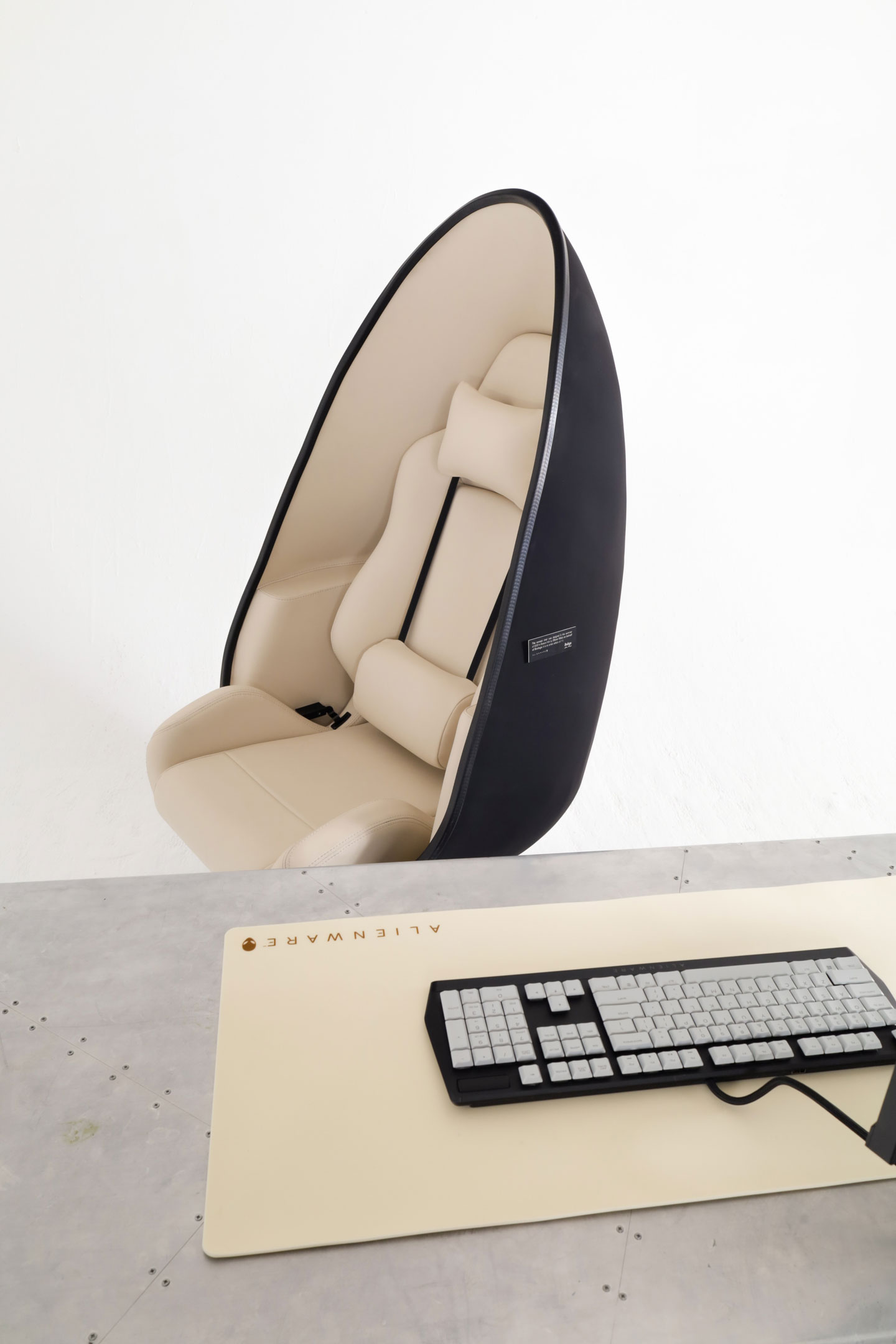 S5000 chair and keyboard